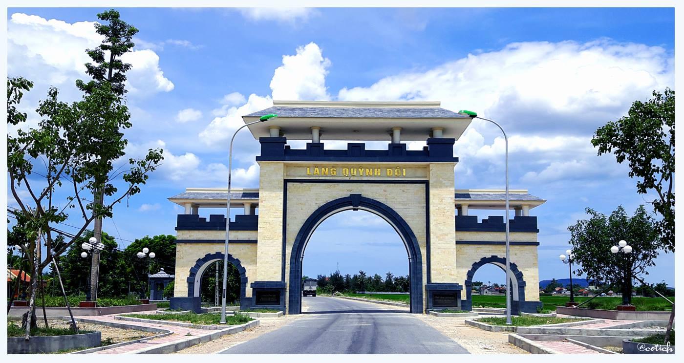 Cổng Làng Quỳnh Đôi (ảnh Facebook Cổ Tích)